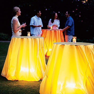 Glowing-tablecloth-l